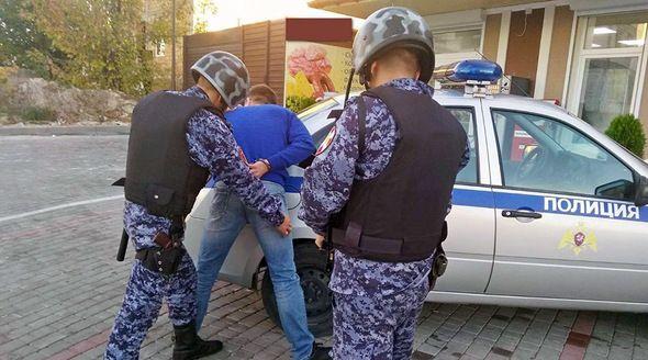 Симферополец пытался украсть цветные карандаши на 15 тыс рублей