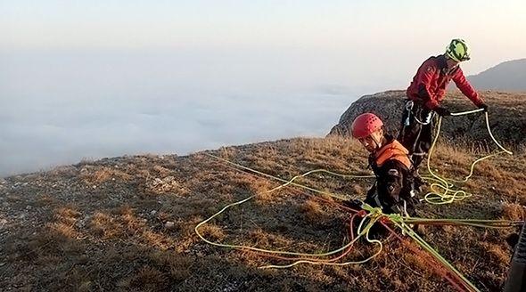 Жительница Симферополя выжила после падения с 40-метровой скалы