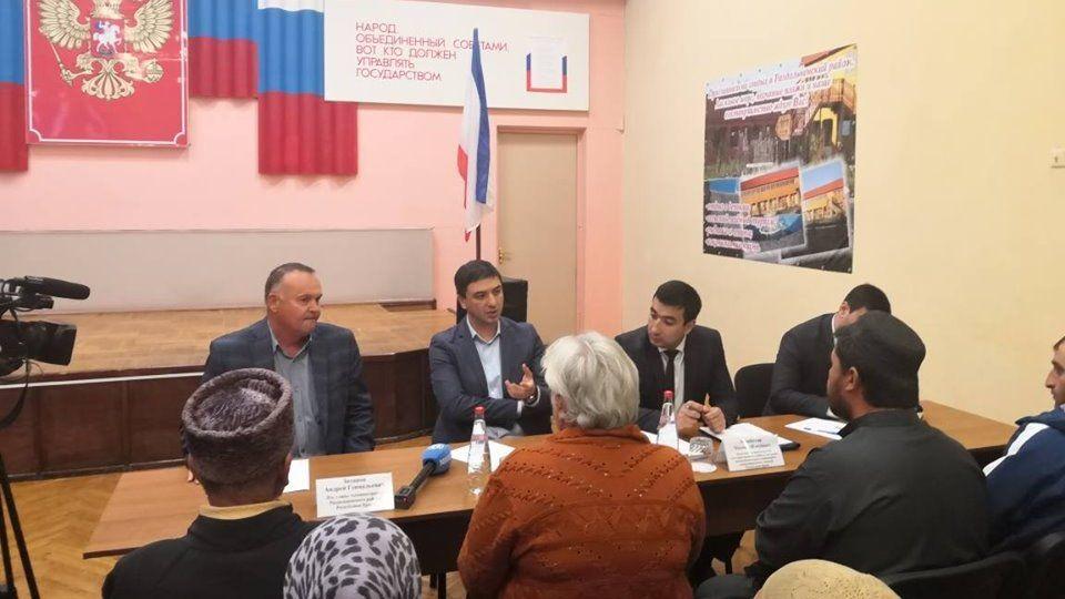 Ленур Абдураманов провел выездной прием граждан в Раздольненском районе