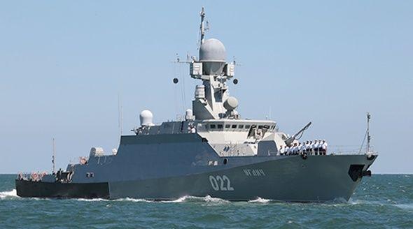Ракетные корабли Каспийской флотилии прошли через Керченский пролив по пути из Средиземноморья