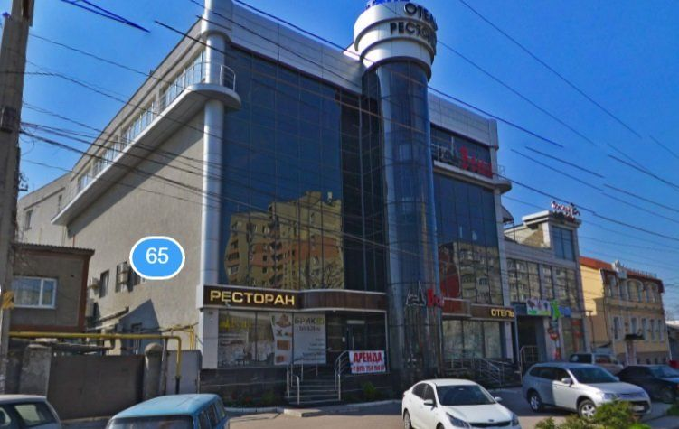 В Симферополе после вмешательства прокуратуры закрыли торговый центр на проспекте Победы