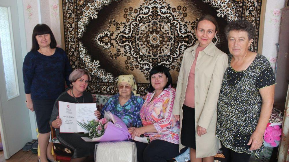 Долгожительниц Бахчисарайского района поздравили с юбилеями руководители районного совета и администрации