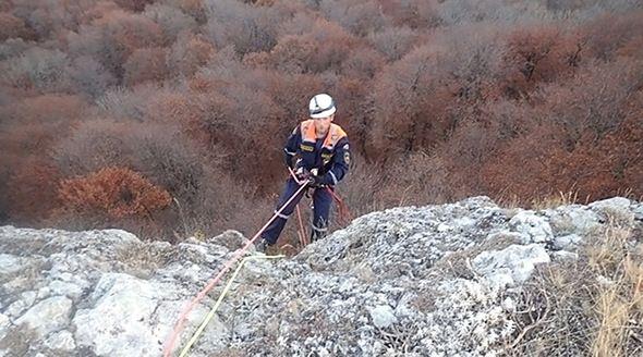 Пережившую падение с 40-метровой скалы девушку прооперировали в Симферополе