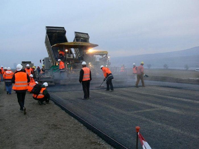 Глава Крыма поздравил работников дорожного хозяйства