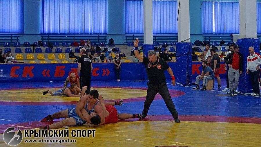 В Алуште разыграли Кубок Крыма по вольной борьбе