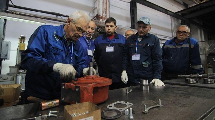 На заводе «Симферопольсельмаш» проведен конкурс профессионального мастерства «Лучший по профессии»