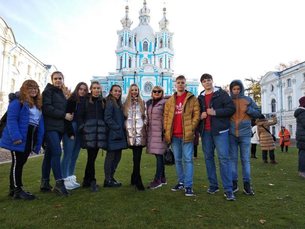 Ялтинские школьники по программе «Град Петров».посетили Санкт-Петербург