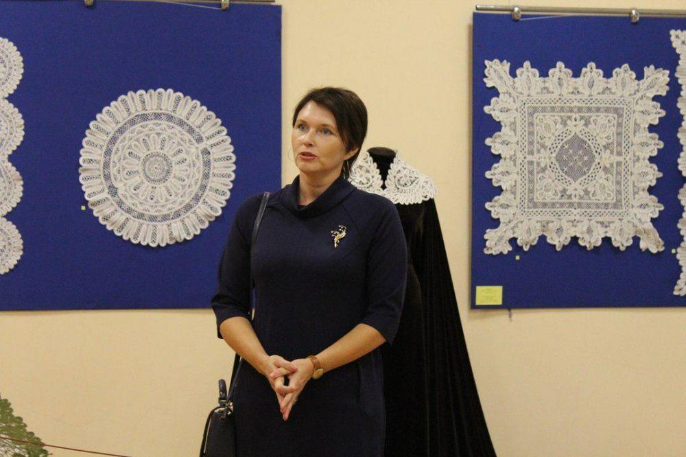 На выставке «Мир кружева» в Симферополе представлены более ста работ севастопольских мастериц