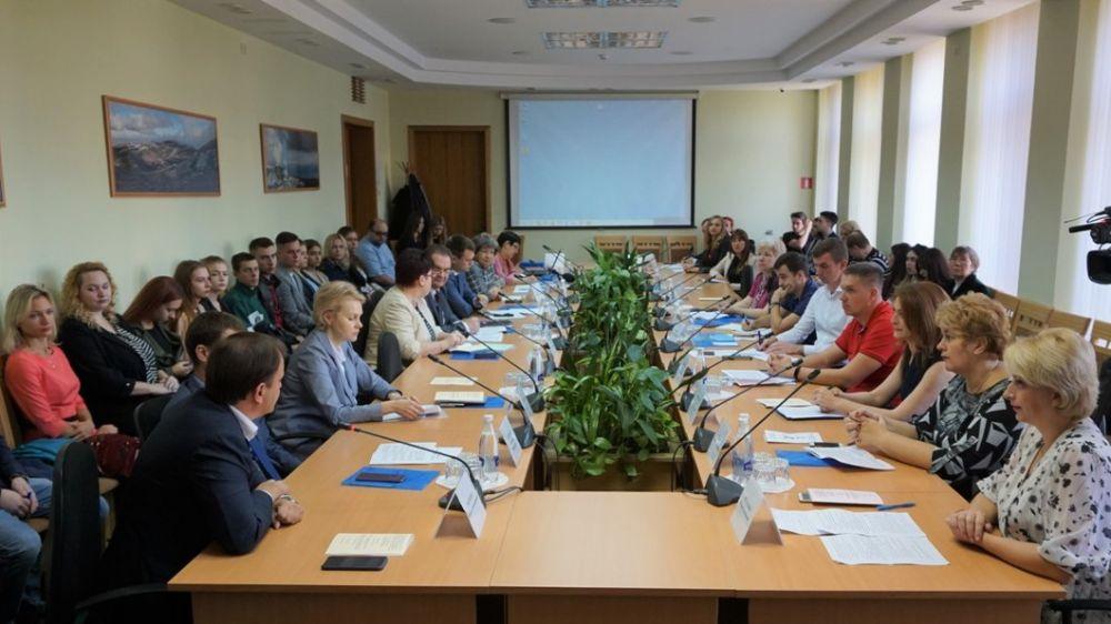 В Симферополе проведен круглый стол, посвященный 5-летию кафедры туризма Крымского университета культуры, искусств и туризма