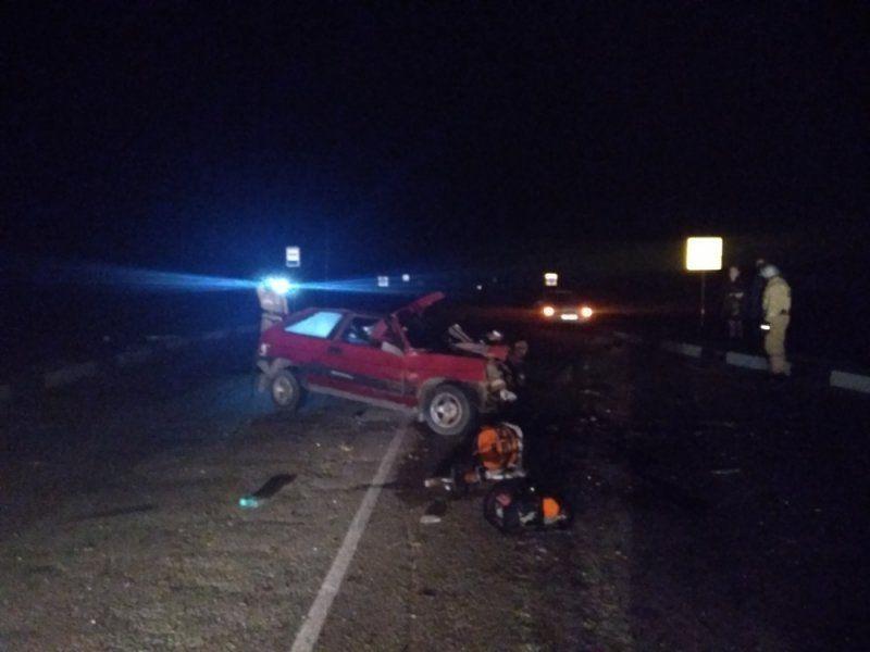 На трассе Симферополь-Джанкой ВАЗ столкнулся с трактором: погиб водитель