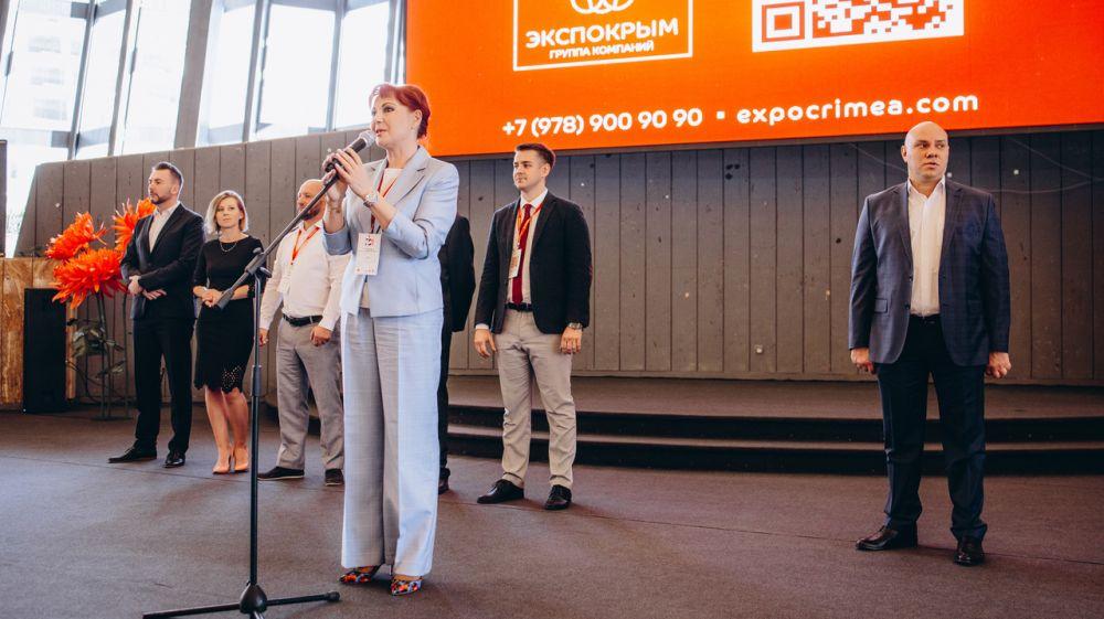 Елена Элекчян приняла участие в работе X Юбилейной Международной Выставки Мебели в Крыму