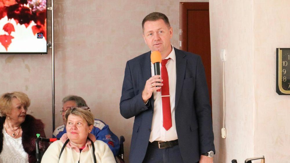 """И.о. главы администрации Михаил Афанасьев посетил мероприятие """"Праздник урожая"""", которое было организованно членами СГООИ «Товарищ» и СГМО КРРО ВОИ."""