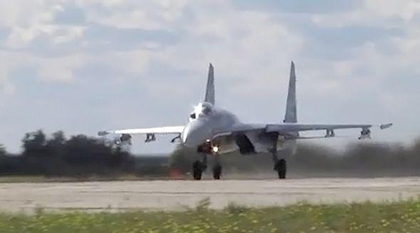 Экипажи самолетов ЧФ провели в Крыму бомбометание по горным целям