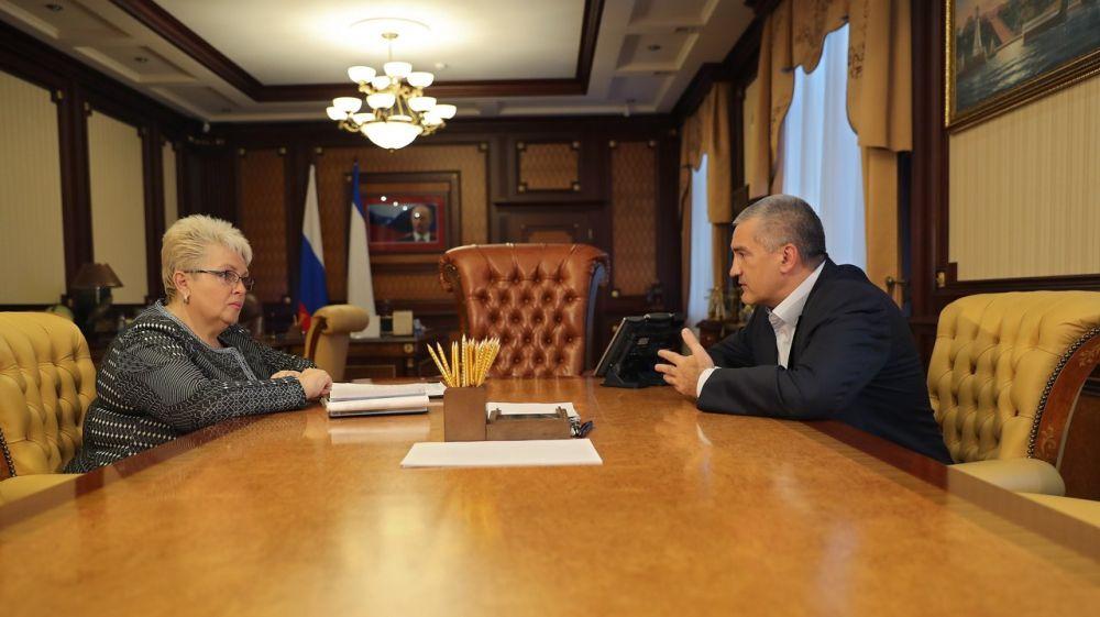 Сергей Аксёнов поблагодарил Наталью Маленко за усилия в решении острых и давно назревших проблем столицы Крыма