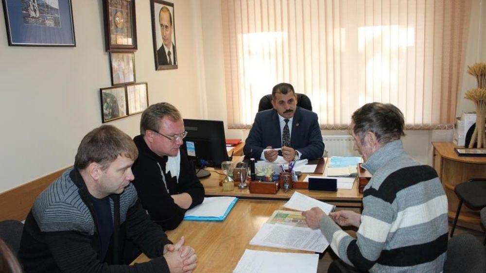 Первый заместитель главы администрации Сакского района Олег Саннэ провел личный приём граждан