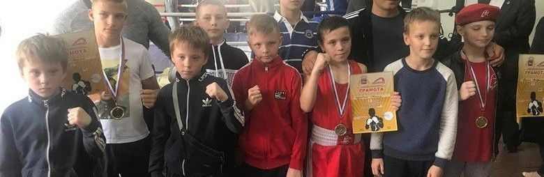 Боксеры из спортивной школы № 6 и БК «Дюльбер» завоевали 19 медалей на открытом первенстве