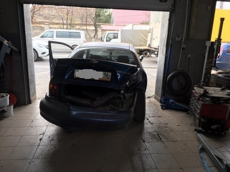 В Симферополе в ДТП попал автомобиль Росгвардии