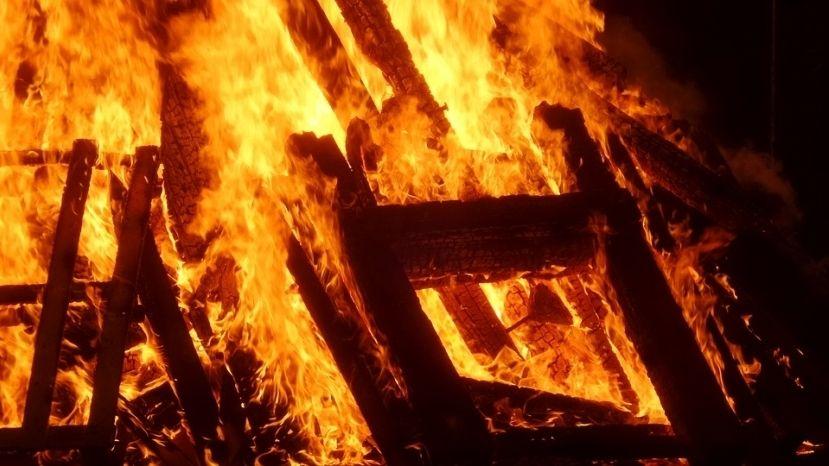 На пожаре в Сакском районе в результате оперативных действий спасен 1 человек и эвакуировано 6 человек