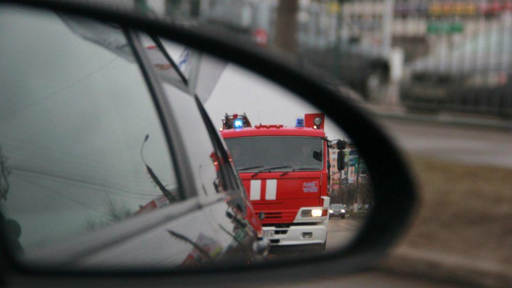 МЧС Республики Крым призывает граждан уступать дорогу спецтранспорту с включёнными проблесковыми маячками и звуковыми сигналами