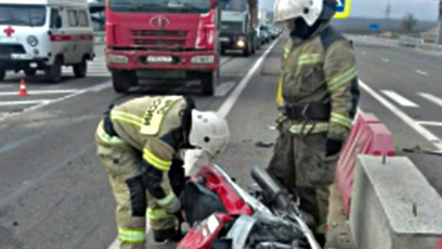 Крымские спасатели оказали помощь в ликвидации последствий ДТП