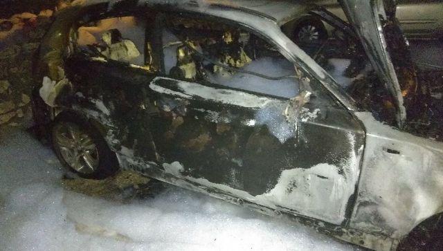 В Севастополе ночью сгорела машина - видео