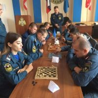 Турнир по шашкам среди керченских спасателей
