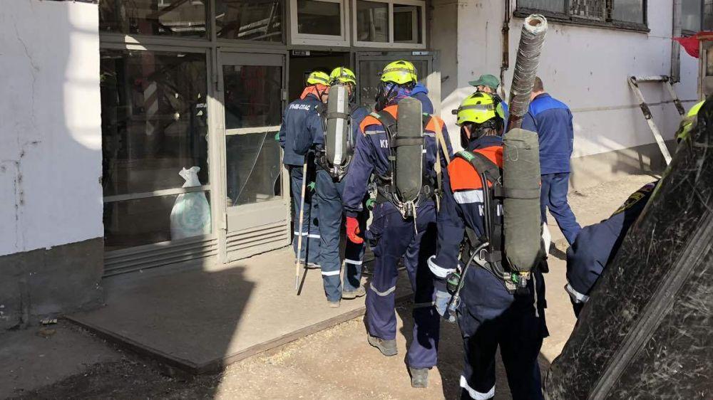 Спасатели Симферопольского АСО «КРЫМ-СПАС» провели тренировку по ликвидации последствий ЧС на предприятии