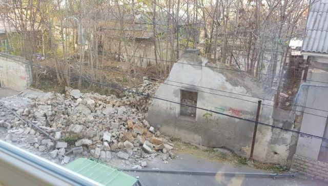#Народнаясводка: в Симферополе рухнувшая стена сорвала газовую трубу