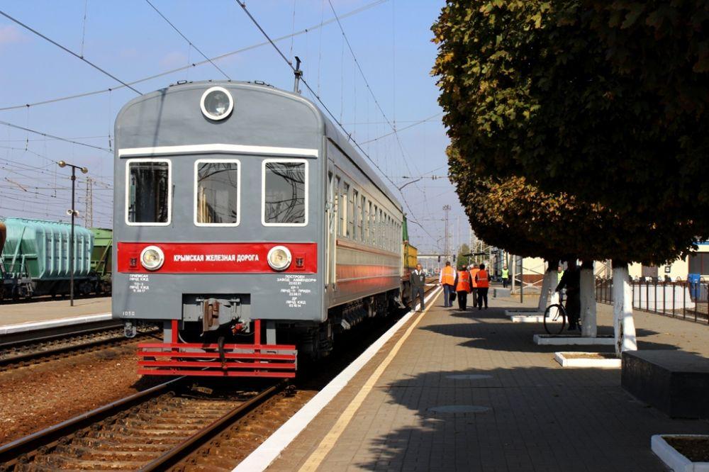 Поезда в Крыму перевезли более трёх миллионов пассажиров