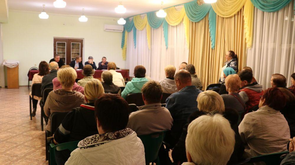 В пгт.Щебетовка состоялась встреча жителей с представителями обслуживающего МУПа «КБ Орджоникдзе»
