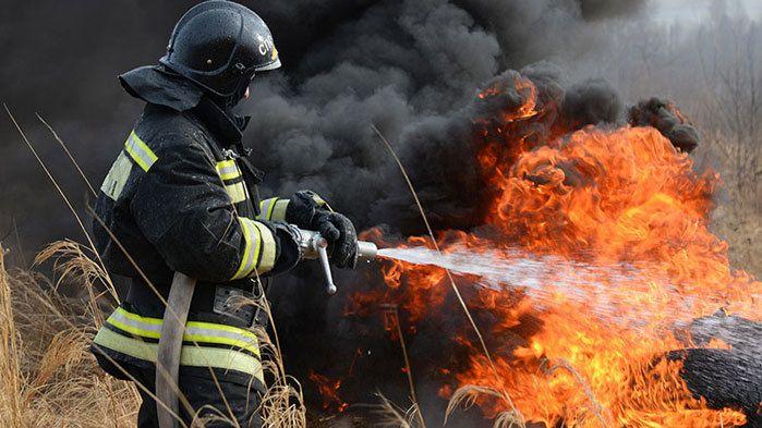 За прошедшие сутки на территории полуострова ликвидирован 21 пожар