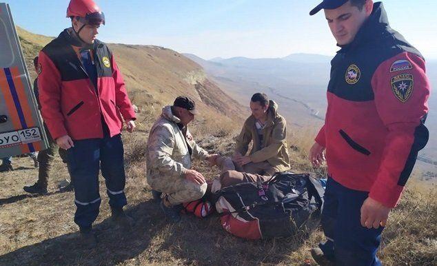 В крымских горах травмировался парапланерист