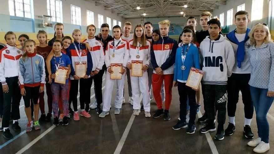 Спортсмены из Ялты завоевали семь медалей на соревнованиях по легкой атлетике