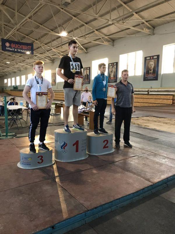 Пять рекордов установили крымские легкоатлеты на Республиканских соревнованиях по легкоатлетическому троеборью
