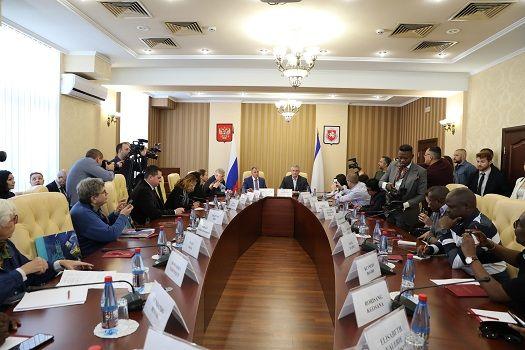 Руководители Крыма встретились с представителями СМИ стран Европы, Азии и Африки