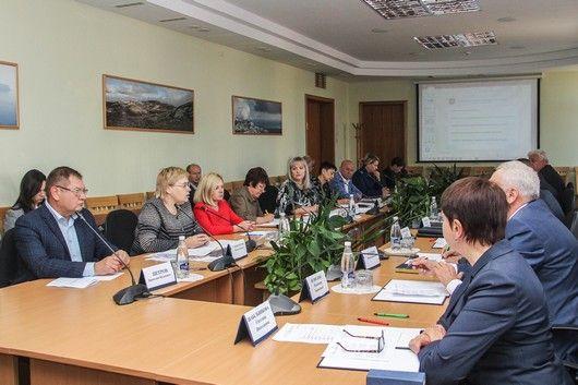 Комитет по жилищной политике и жилищно-коммунальному хозяйству обсудил проект главного финансового документа Республики Крым