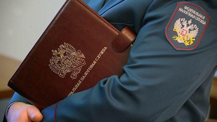 Несколько крымчан лишились дорогого имущества за долги перед налоговой