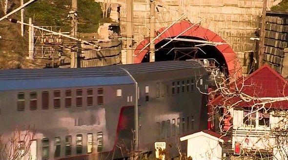 Двухэтажные пассажирские вагоны испытали в тоннелях под Севастополем