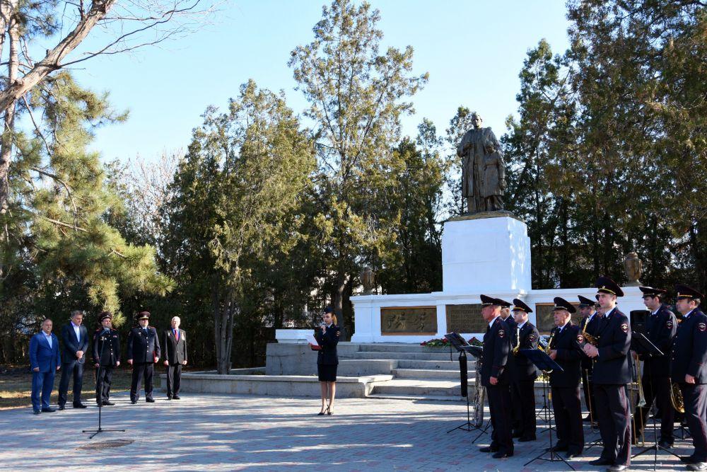В крымской столице высадили «Деревья Победы»