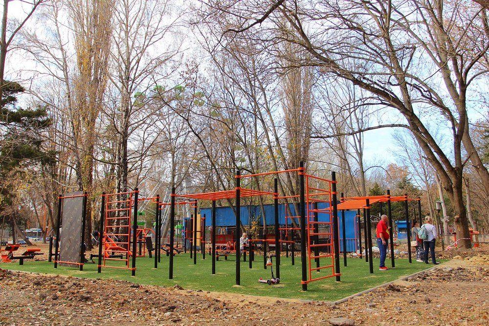 В Гагаринском парке Симферополя появилась еще одна спортивная площадка