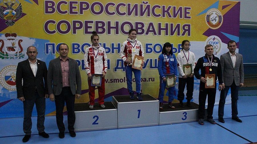 Все победители и призеры Всероссийских соревнований по женской борьбе среди девушек до 18 лет в Смоленске