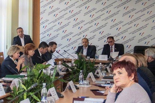 Александр Шувалов: Безопасностью школ должны заниматься профессиональные структуры и ведомства