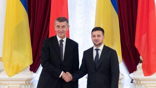 В Чехии ополчились на премьера из-за его позиции по Крыму