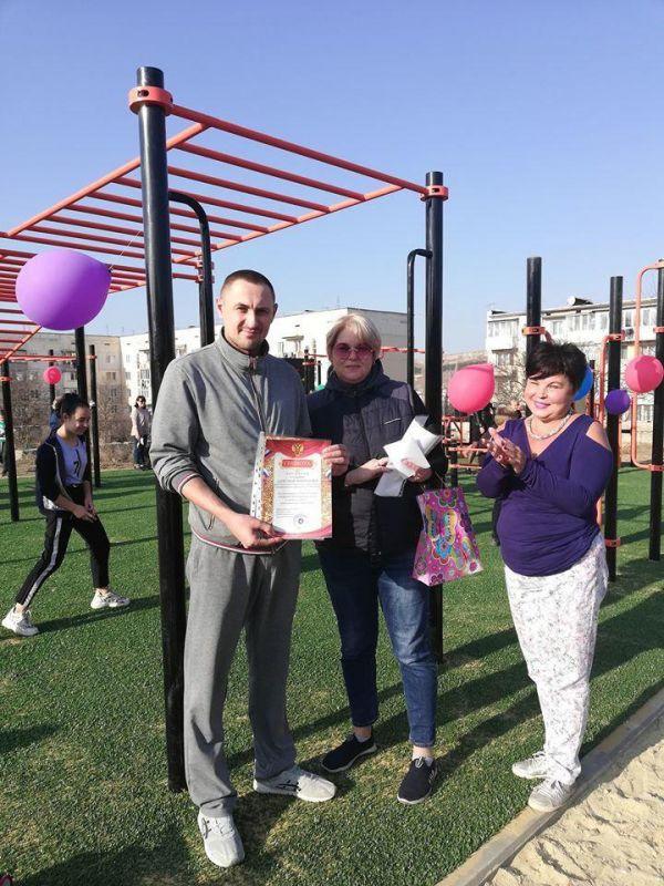 Спортивную площадку с тренажерами установили в Симферопольском районе