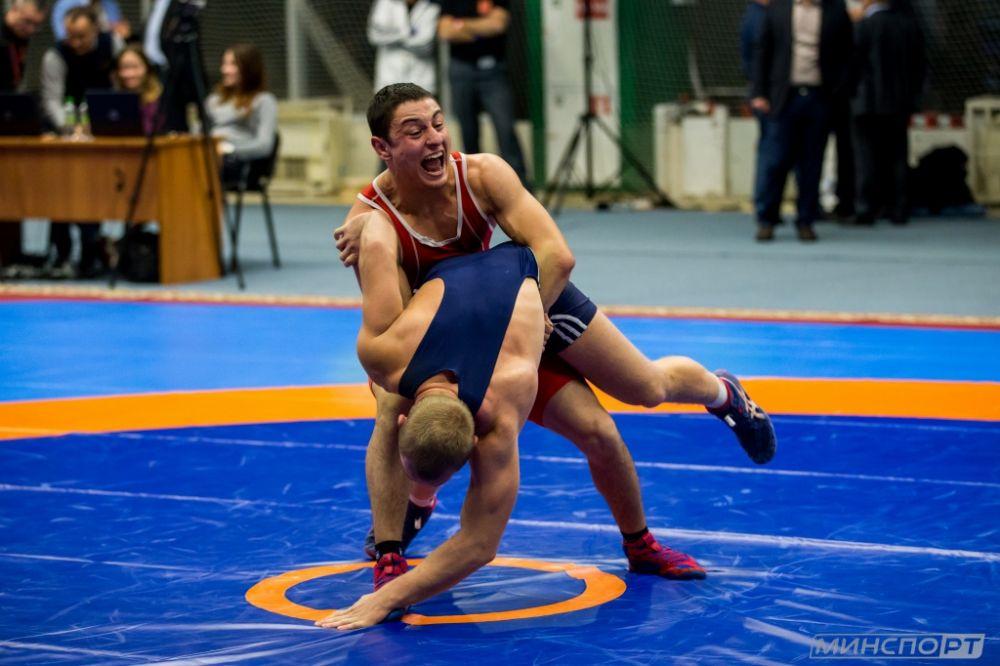 Борец из Севастополя взял «золото» на всероссийском турнире