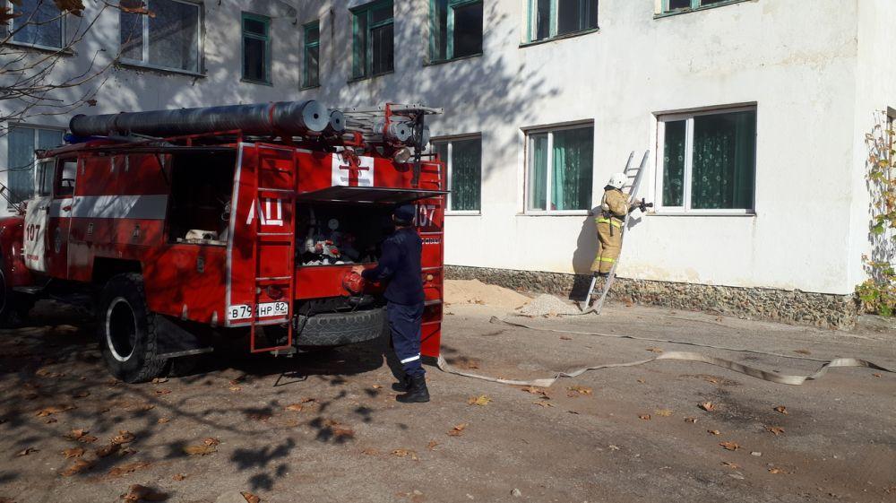 Сотрудники ПЧ 107 с. Журавки ГКУ РК «Пожарная охрана Республики Крым» провели тренировку в детском саду