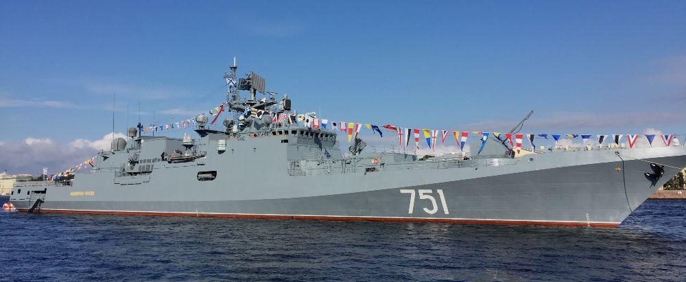«Адмирал Эссен» отработал оборону Севастополя и удар «Калибром»