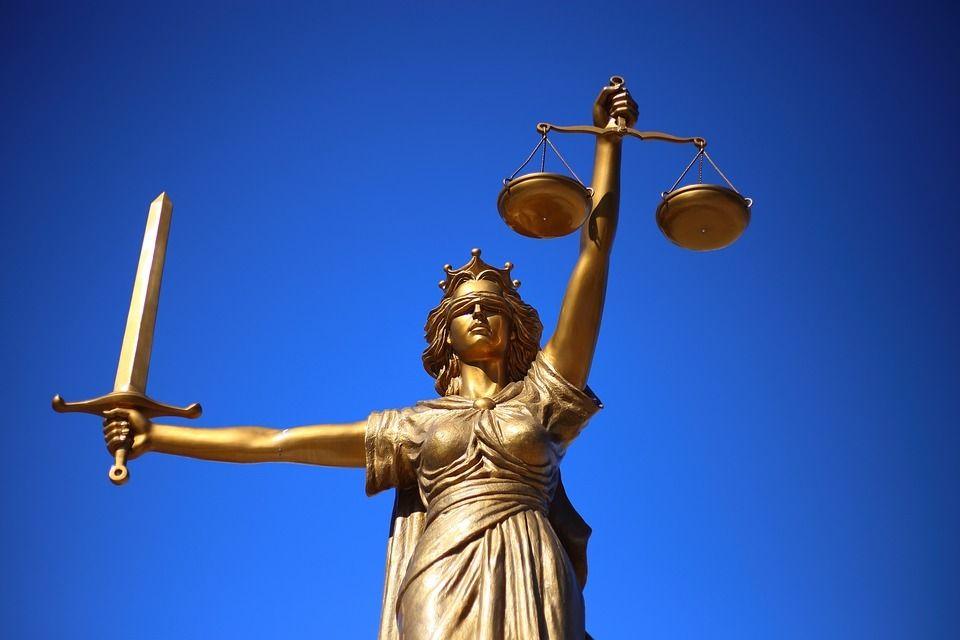 Суд вынес приговор избившему оператора «Евпатория ТВ» продавцу