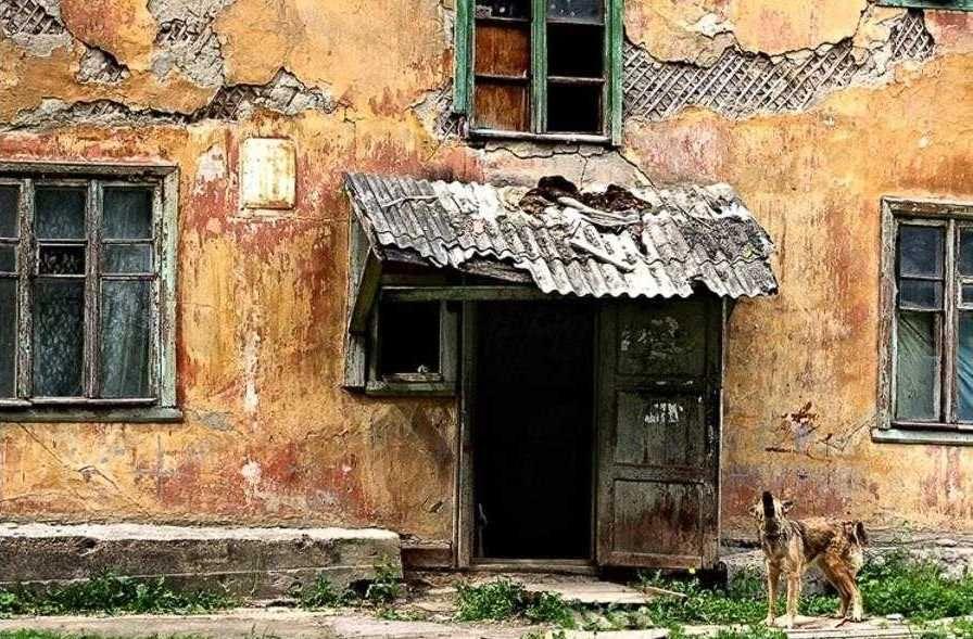 Людям из аварийных домов Севастополя предлагают уехать в сёла