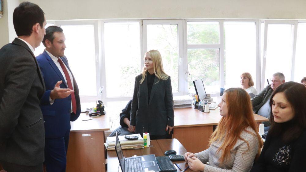 Процесс реорганизации ялтинского БТИ в госпредприятие не должен отражаться на трудовом коллективе и заказчиках — Александр Спиридонов